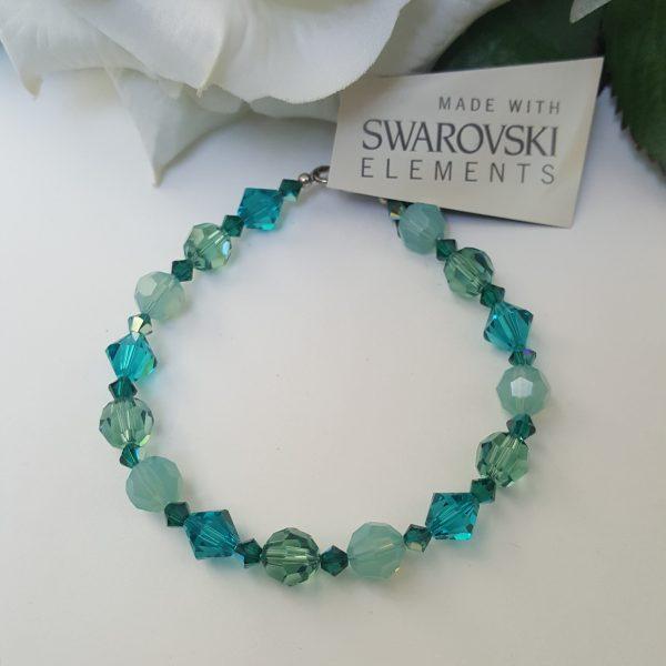 Дамска гривна Синева с цветни кристали