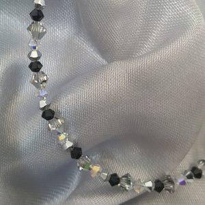 Стилна гривна с австрийски кристали