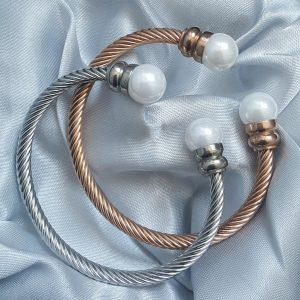 Твърда гривна от стомана с перли