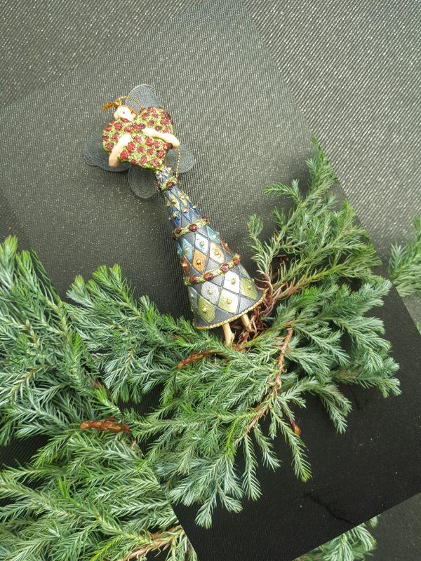 Играчки за окачване на елха