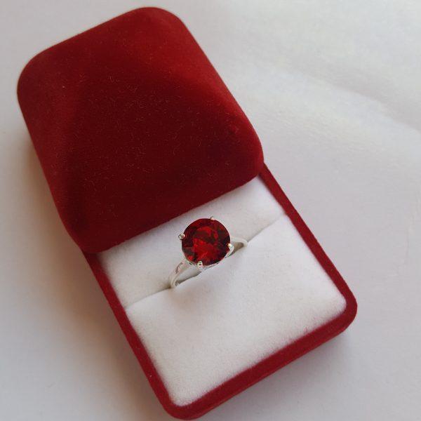 Сребърен пръстен Dolce с кристал Сиам Ред