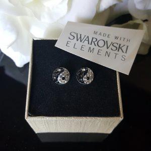 Обеци с кристали Сваровски онлайн на хит цени