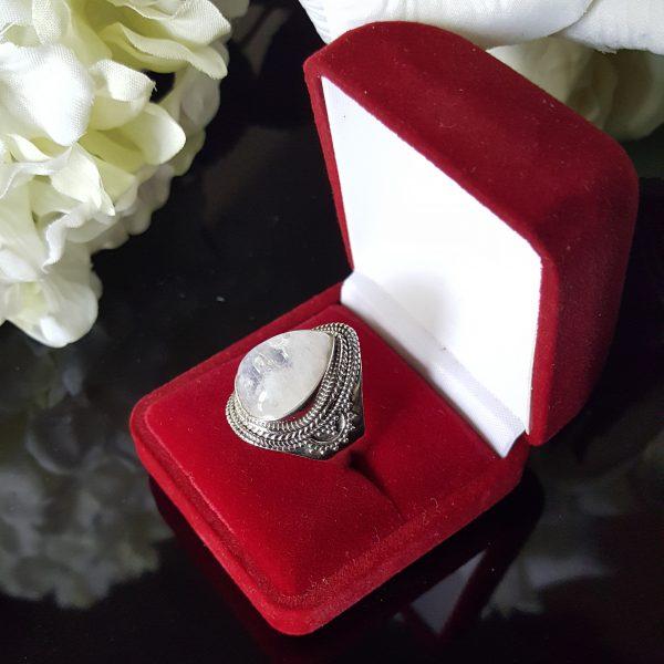 Сребърен пръстен с Лунен камък Изида