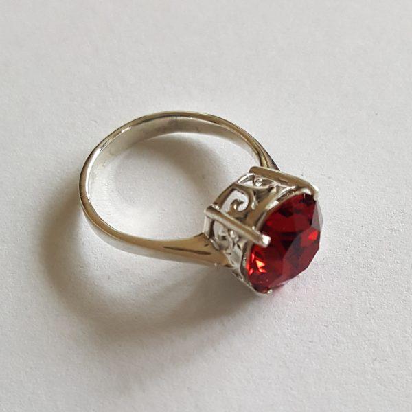 Сребърен пръстен Dolce с кристал Скарлет Ред