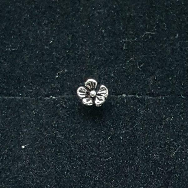 Сребърен Пиърсинг за нос Цвете