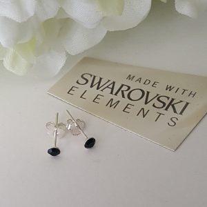 Малки обеци с кристали Сваровски 3 мм