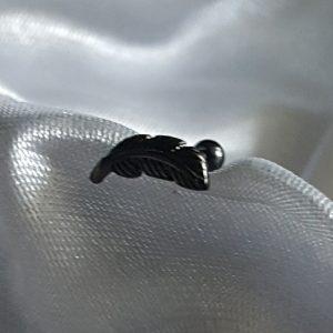 Пиърсинг за горна част ухо Перо черно