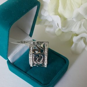 Елегантен дамски пръстен от стомана