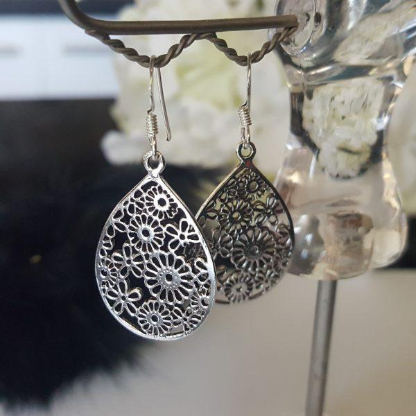 Висящи сребърни дамски обеци