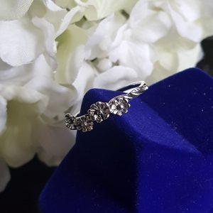 Сребърен пръстен с цветя