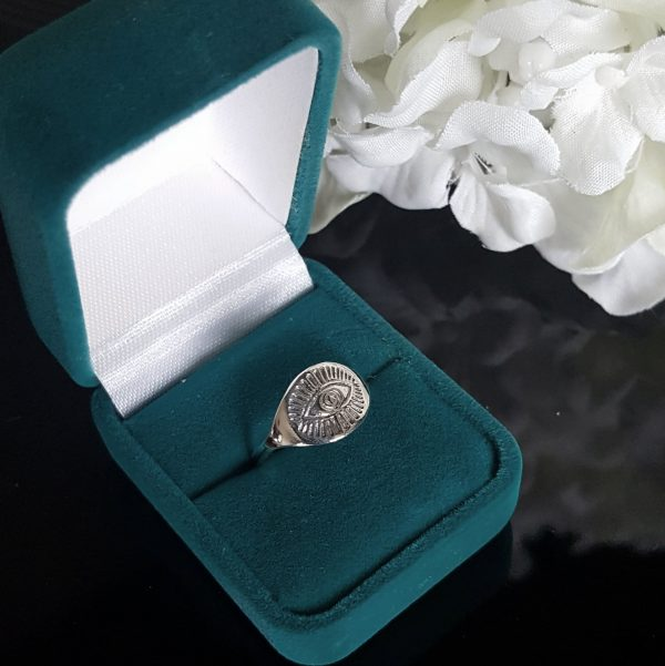 Сребърни пръстени със символи