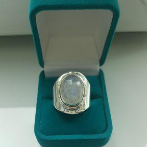 Сребърен пръстен с Лунен камък Касандра