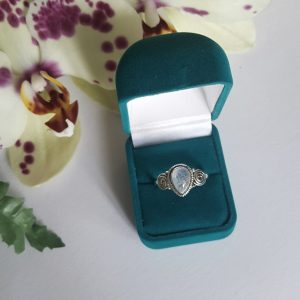 Дафне Сребърен пръстен с Лунен камък
