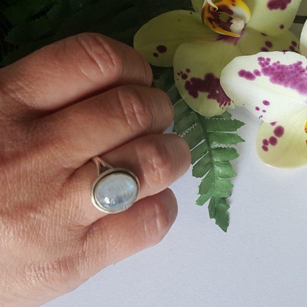 Сребърен пръстен с Лунен камък Калиопа
